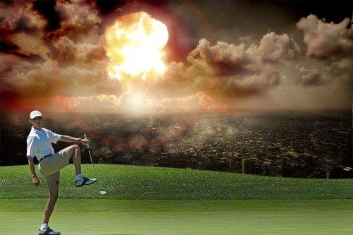 Obama-Golfs-WorldBurns